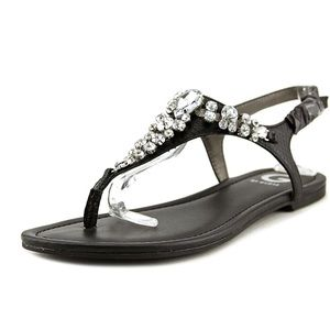 G by Guess Londean SplitToe Casual sandals